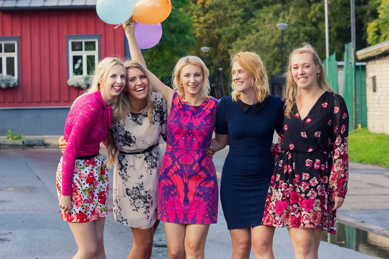 Tüdrukud44